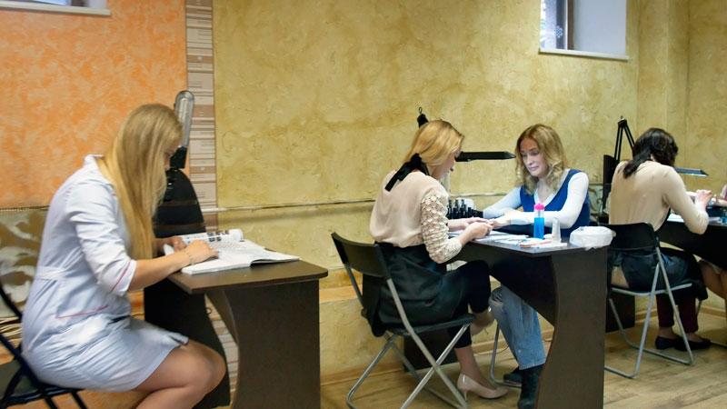 Обучение на курсах ногтевого сервиса Учебный Центр «Образование 21 век»